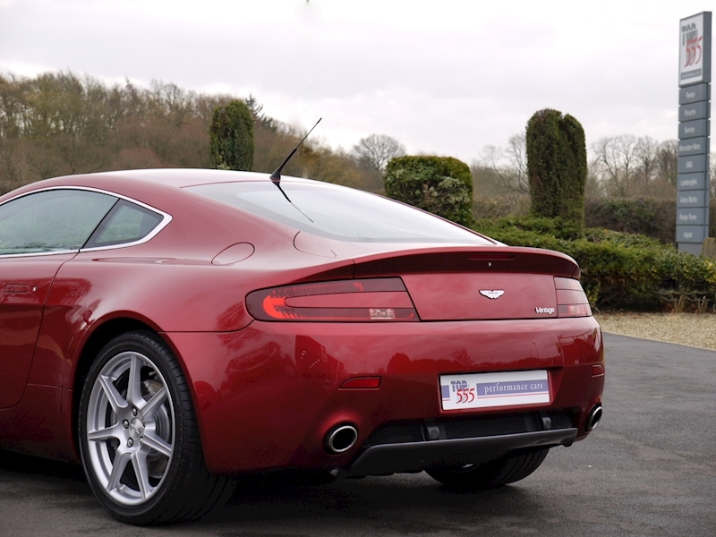 Aston Martin V8 Vantage 4.3 Manual - Large 34