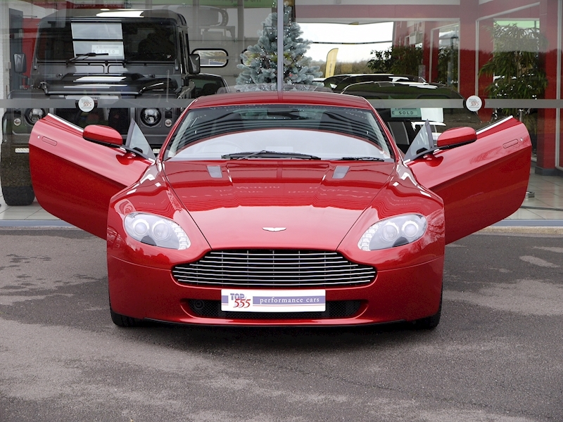 Aston Martin V8 Vantage 4.3 Manual - Large 35