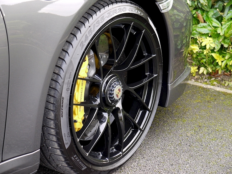 Porsche 911 (991.2) Turbo S Coupe 3.8 PDK - Large 15