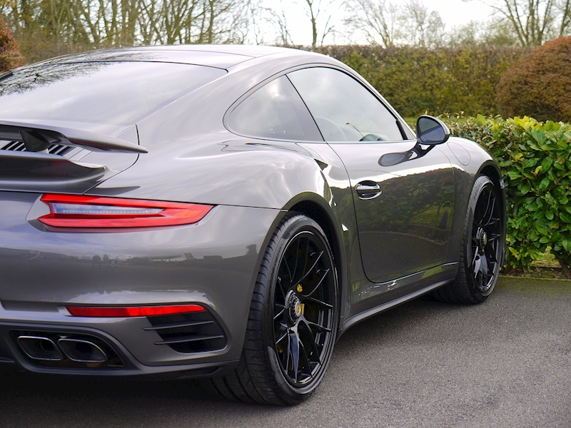 Porsche 911 (991.2) Turbo S Coupe 3.8 PDK - Large 16