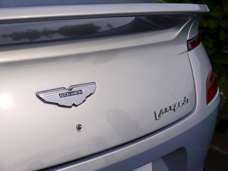 Aston Martin Vanquish Coupe Touchtronic II - Large 4