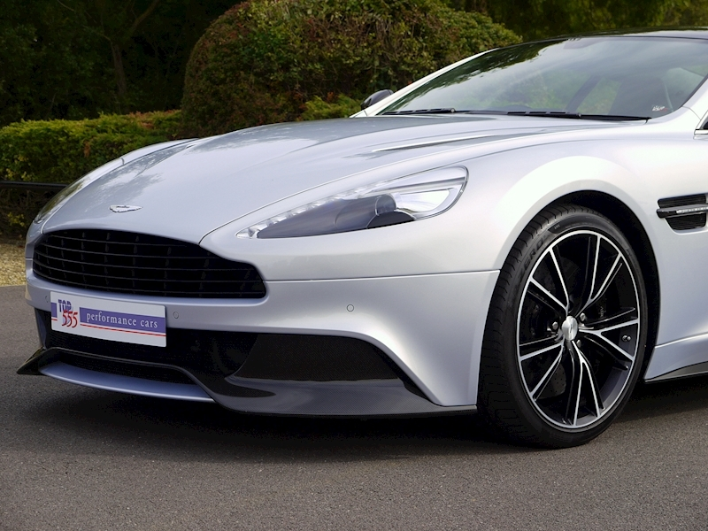 Aston Martin Vanquish Coupe Touchtronic II - Large 23