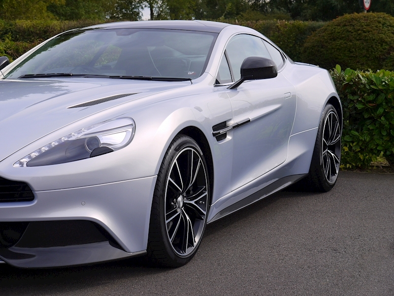 Aston Martin Vanquish Coupe Touchtronic II - Large 24