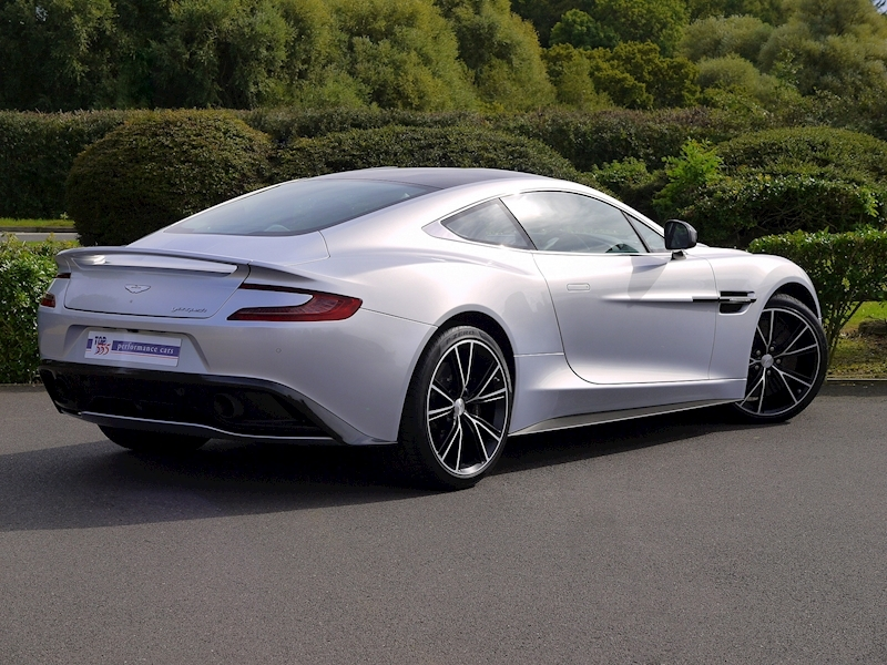 Aston Martin Vanquish Coupe Touchtronic II - Large 32