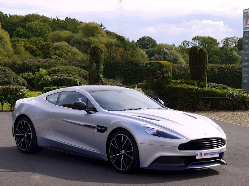 Aston Martin Vanquish Coupe Touchtronic II - Large 37