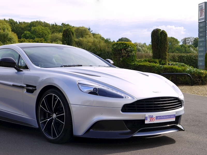 Aston Martin Vanquish Coupe Touchtronic II - Large 38