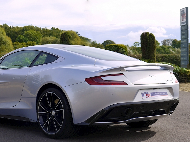 Aston Martin Vanquish Coupe Touchtronic II - Large 41