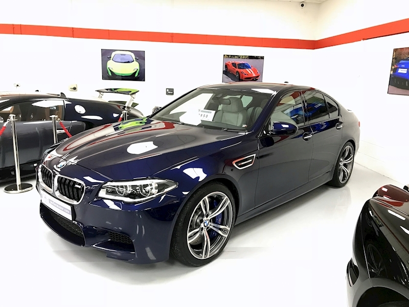Bmw M5 4.4 SALOON DCT - Large 0