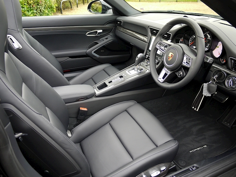 Porsche 911 (991.2) Turbo 3.8 Cabriolet PDK - Large 1