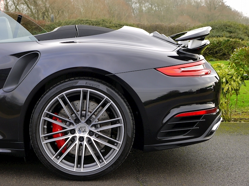 Porsche 911 (991.2) Turbo 3.8 Cabriolet PDK - Large 3
