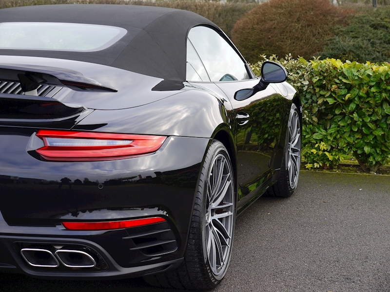 Porsche 911 (991.2) Turbo 3.8 Cabriolet PDK - Large 14