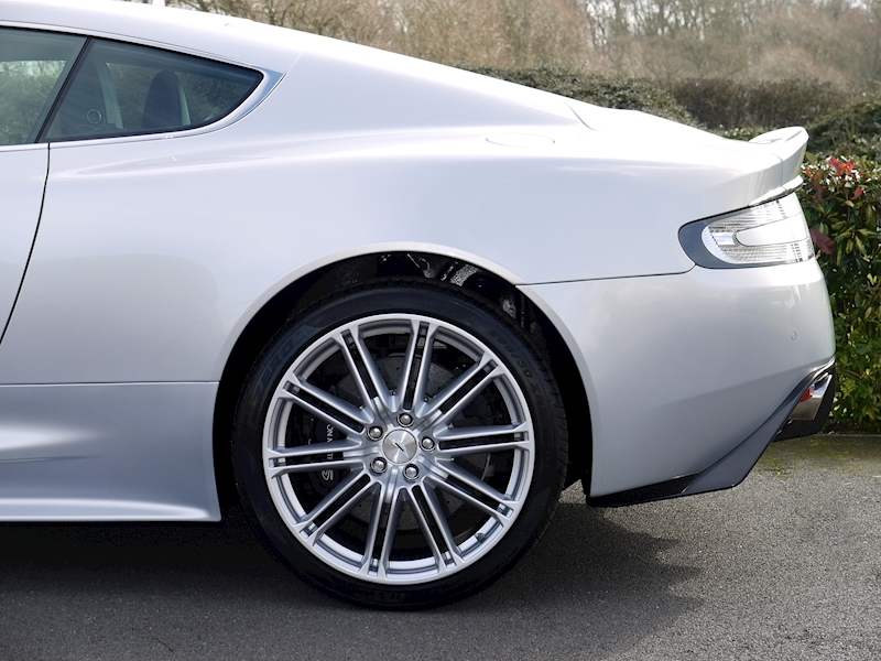 Aston Martin DBS 6.0 V12 Coupe - Manual - Large 3