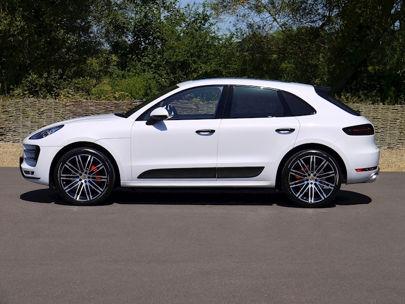 Porsche Macan Turbo 3.6 PDK - Large 2