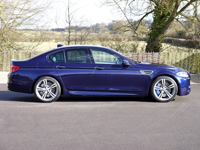 BMW M5 4.4 SALOON DCT - Large 5