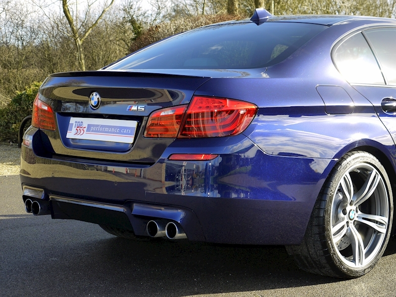 Bmw M5 4.4 SALOON DCT - Large 9