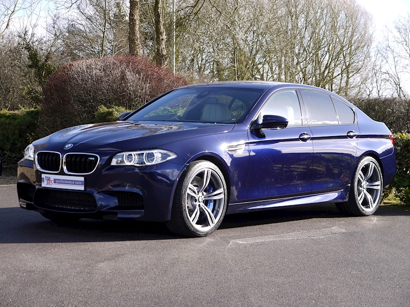 BMW M5 4.4 SALOON DCT - Large 16