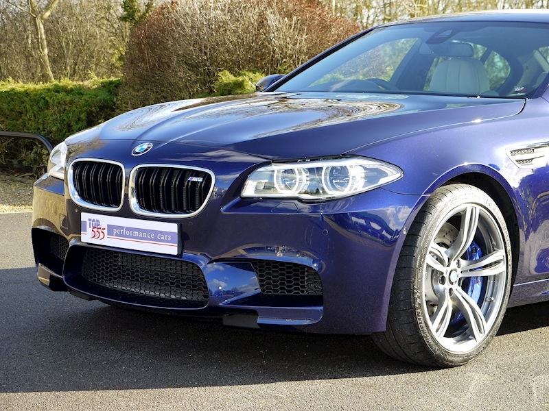 BMW M5 4.4 SALOON DCT - Large 17