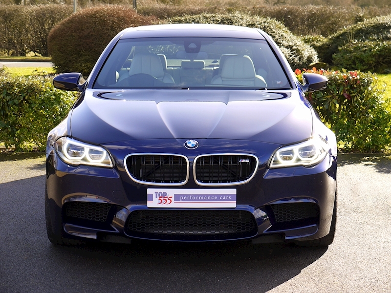BMW M5 4.4 SALOON DCT - Large 18
