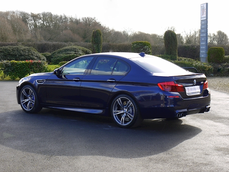 BMW M5 4.4 SALOON DCT - Large 28