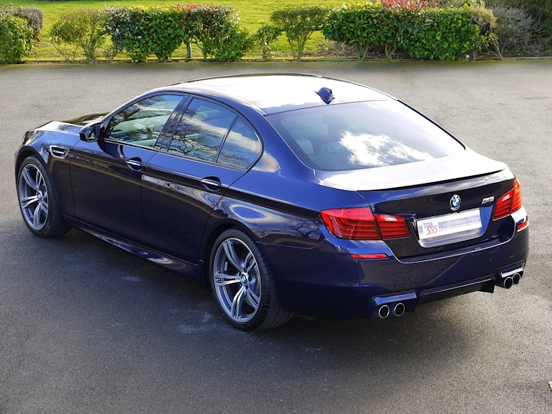 BMW M5 4.4 SALOON DCT - Large 29