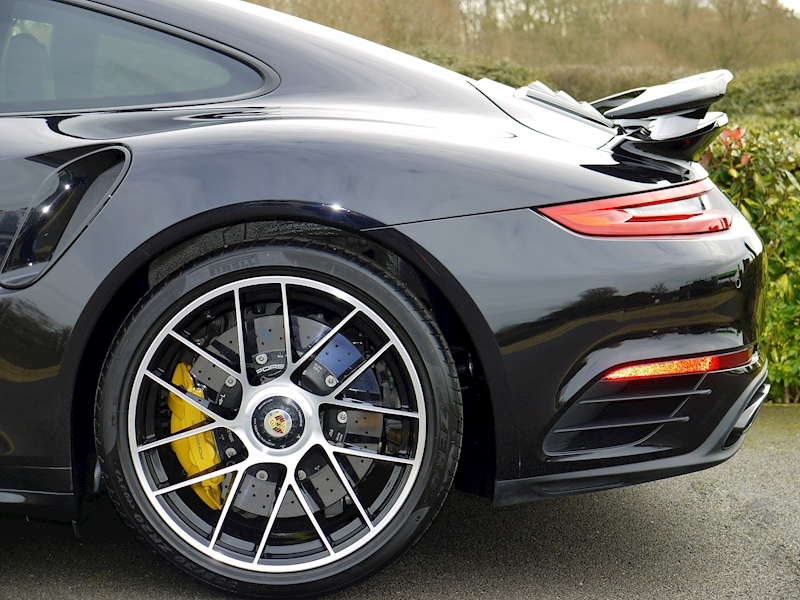 Porsche 911 (991.2) Turbo S 3.8 Coupe PDK - Large 3