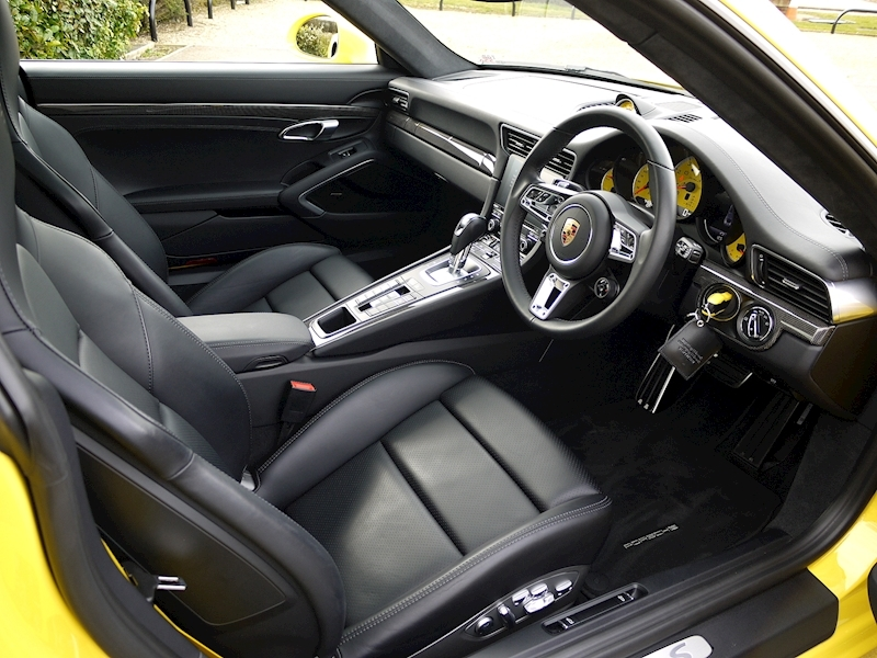 Porsche 911 (991.2) Turbo S 3.8 Coupe PDK - Large 1