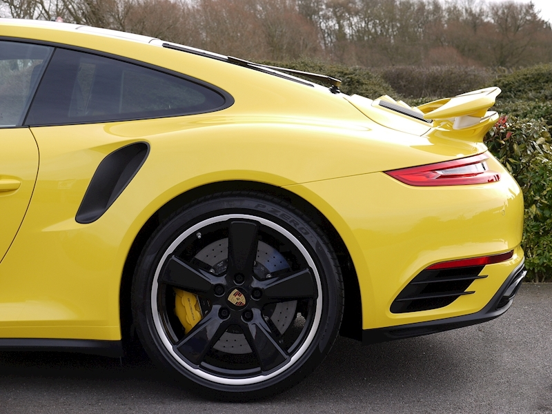 Porsche 911 (991.2) Turbo S 3.8 Coupe PDK - Large 4