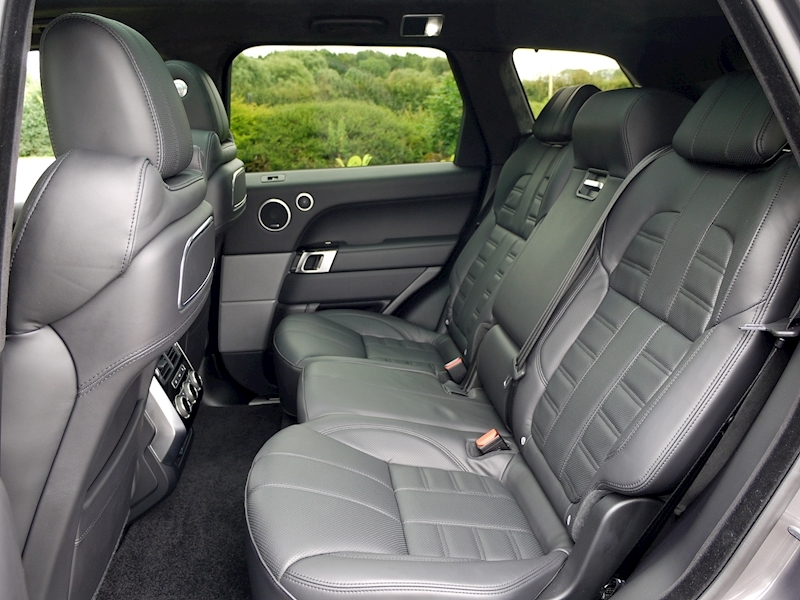 Land Rover Range Rover Sport 3.0 SDV6 Autobiography Dynamic - Stealth Pack - Large 9