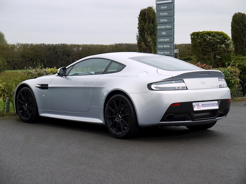 Aston Martin V12 Vantage S Coupe - Manual - Large 8