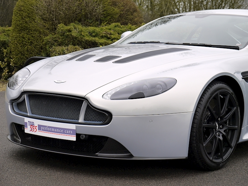 Aston Martin V12 Vantage S Coupe - Manual - Large 17