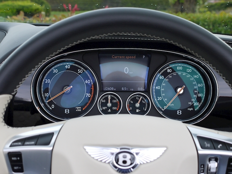 Bentley Continental GTC Speed 6.0 W12 - Large 32