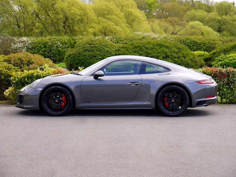 Porsche 911 (991.2) Carrera 4 GTS 3.0 Coupe PDK - Large 2