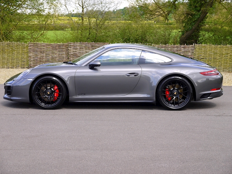 Porsche 911 (991.2) Carrera 4 GTS 3.0 Coupe PDK - Large 17
