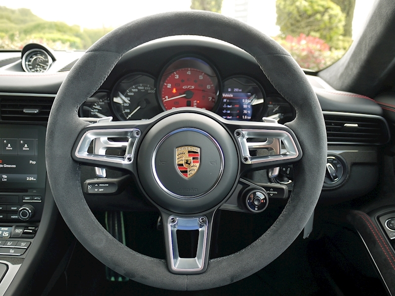 Porsche 911 (991.2) Carrera 4 GTS 3.0 Coupe PDK - Large 24