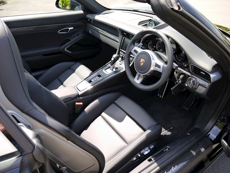 Porsche 911 (991) Turbo Cabriolet 3.8 PDK - Large 1