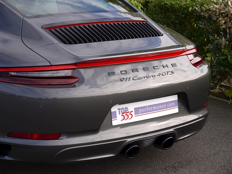 Porsche 911 (991.2) Carrera 4 GTS 3.0 Coupe PDK - SportDesign Package - Large 3