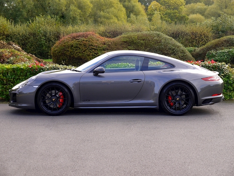 Porsche 911 (991.2) Carrera 4 GTS 3.0 Coupe PDK - SportDesign Package - Large 4