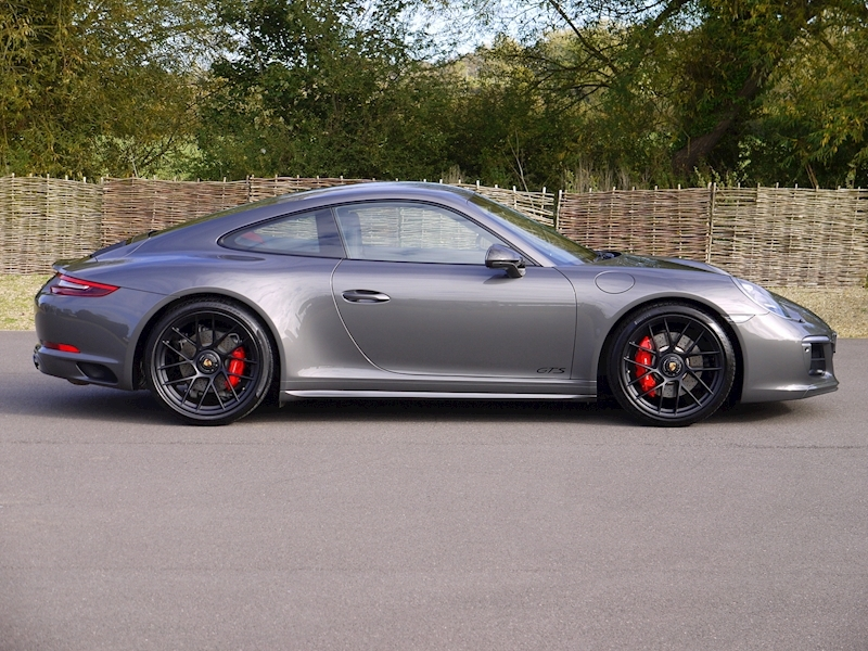 Porsche 911 (991.2) Carrera 4 GTS 3.0 Coupe PDK - SportDesign Package - Large 14