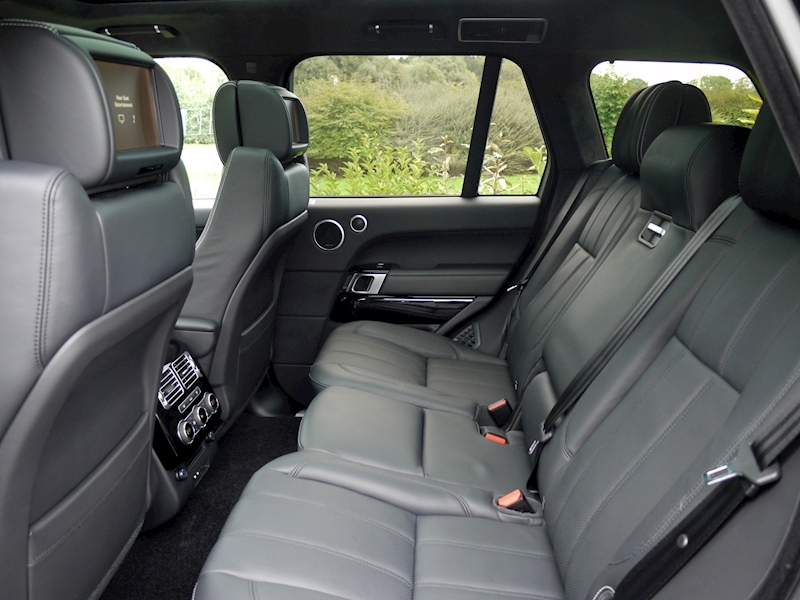 Land Rover Range Rover 4.4 SDV8 Autobiography with Black Design Pack - Large 4