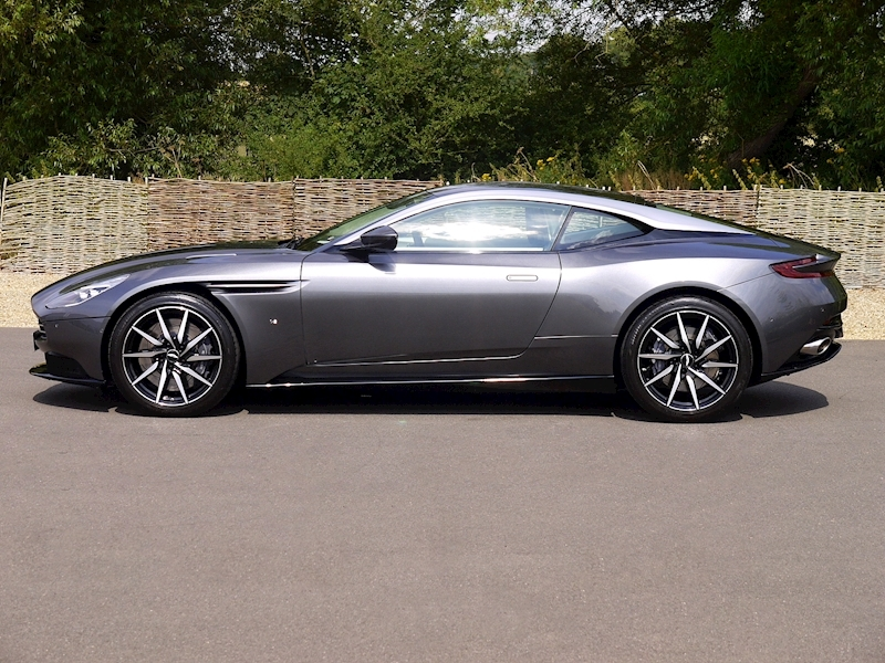 Aston Martin DB11 5.2 V12 'Launch Edition' - Large 29