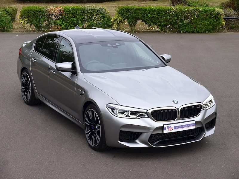 Bmw M5 Saloon 4.4 V8 - Large 0