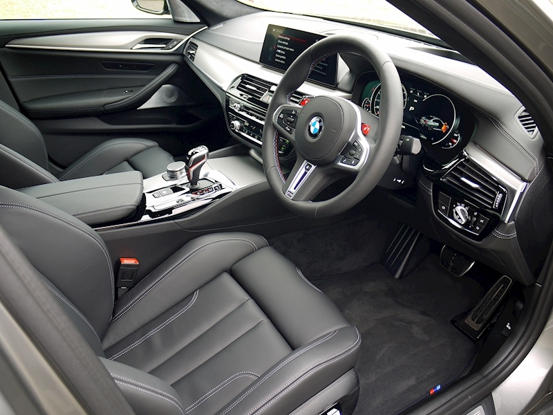 Bmw M5 Saloon 4.4 V8 - Large 1