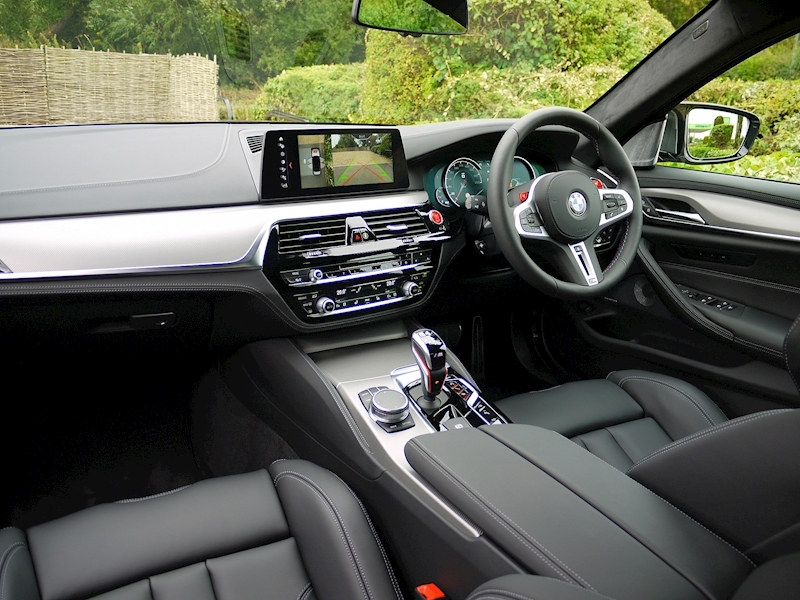 Bmw M5 Saloon 4.4 V8 - Large 8