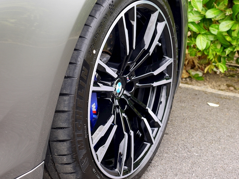 Bmw M5 Saloon 4.4 V8 - Large 16