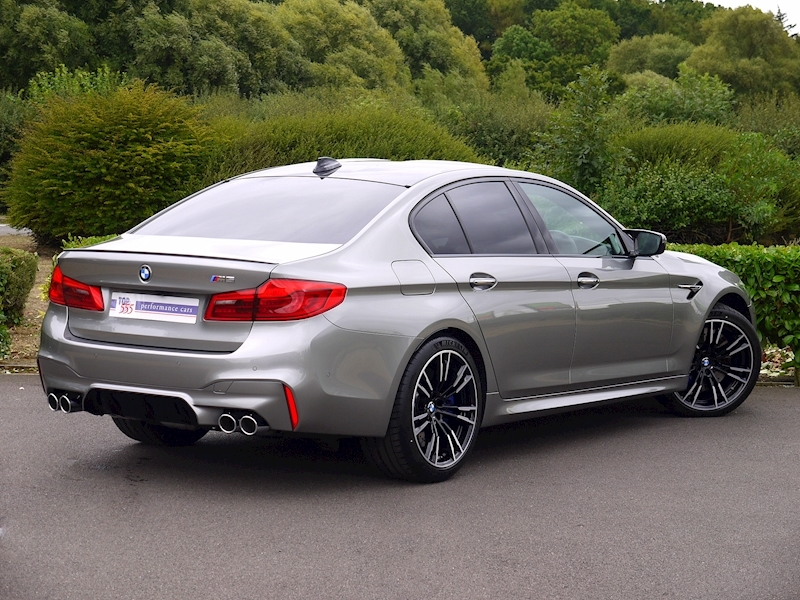 Bmw M5 Saloon 4.4 V8 - Large 32