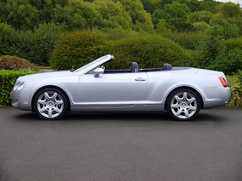 Bentley Continental GTC W12 - Large 2