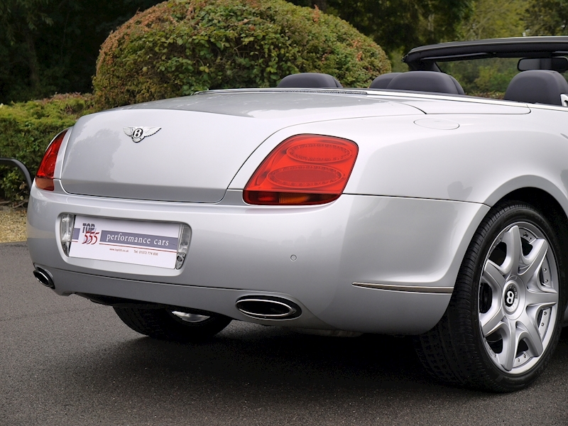 Bentley Continental GTC W12 - Large 8