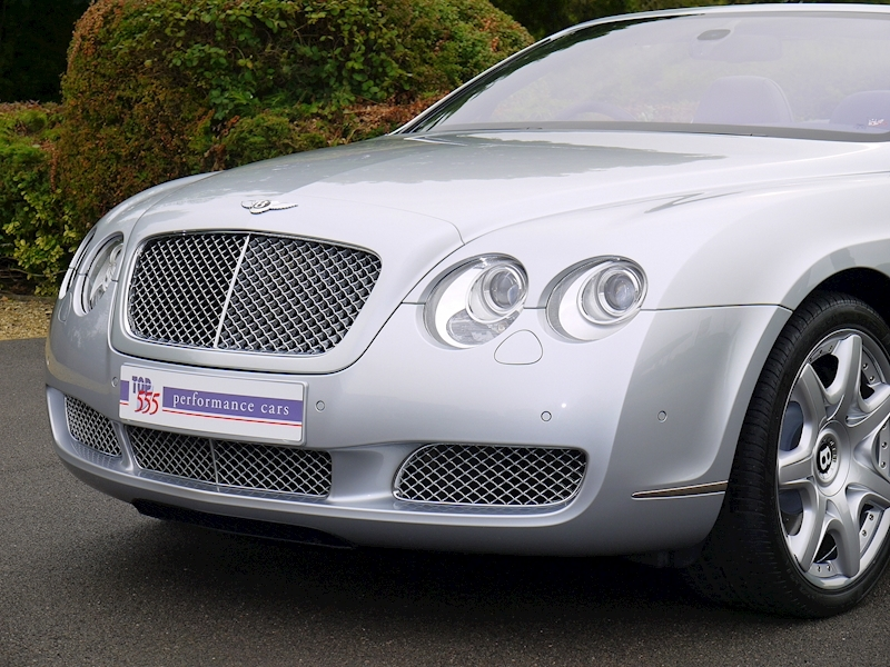 Bentley Continental GTC W12 - Large 16