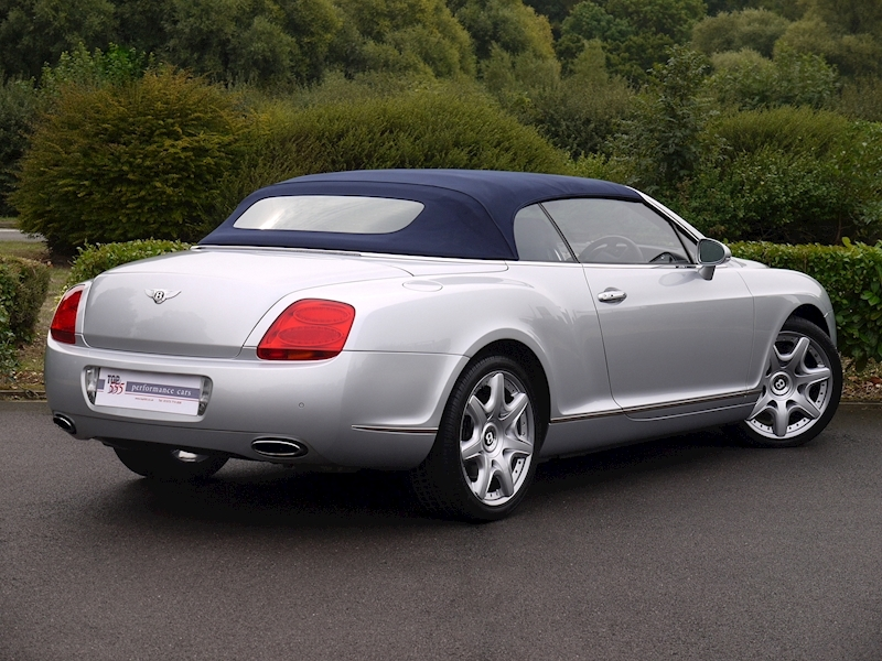 Bentley Continental GTC W12 - Large 28