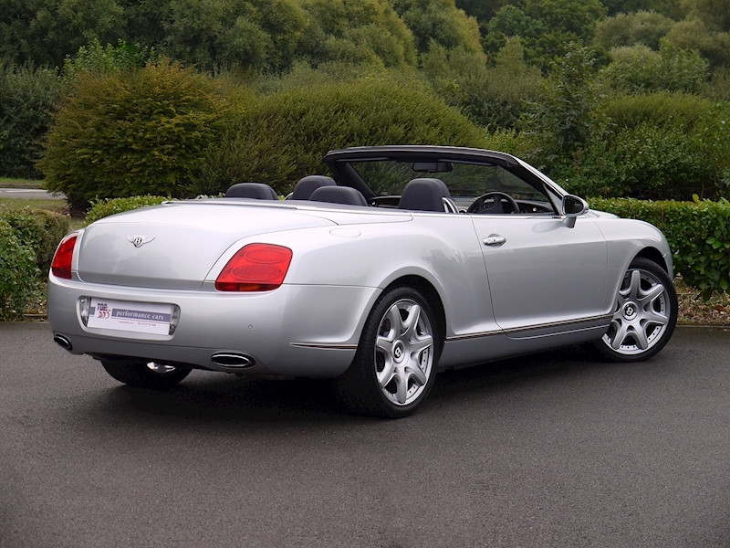 Bentley Continental GTC W12 - Large 35